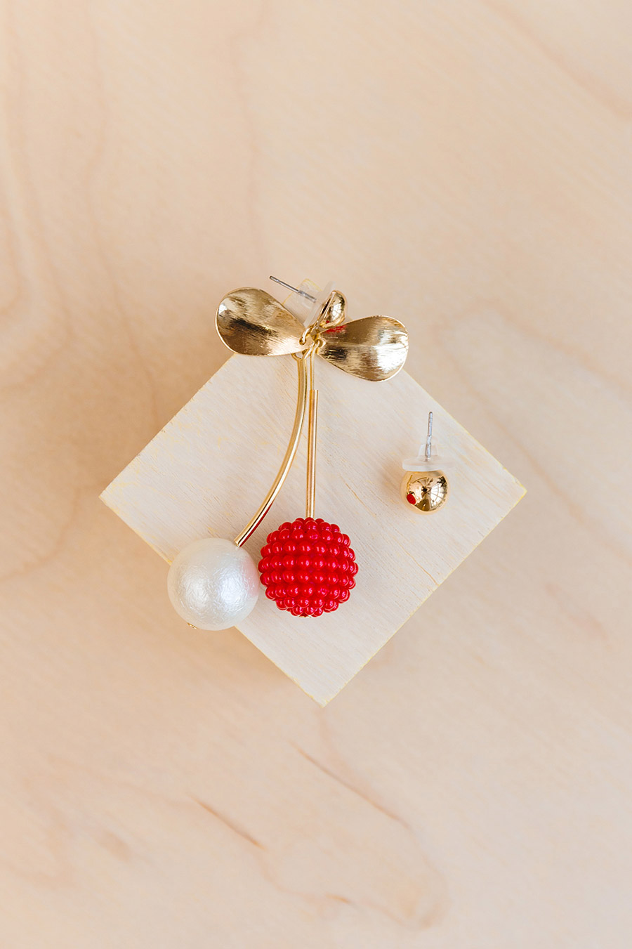 CHERRY FOND EARRING - GOLD