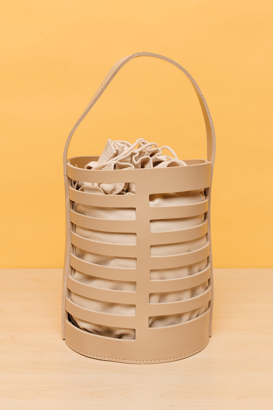 CIEL BUCKET BAG - LATTE