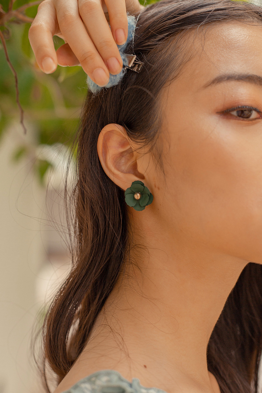 CLEA EARRING - EMERALD