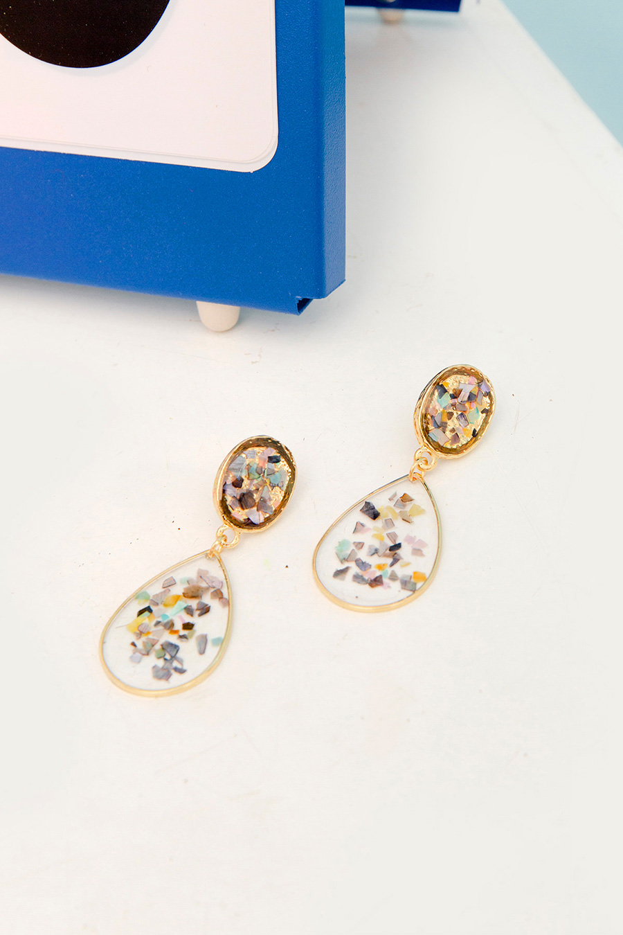 *RESTOCKED* JULES EARRING - FLAKES
