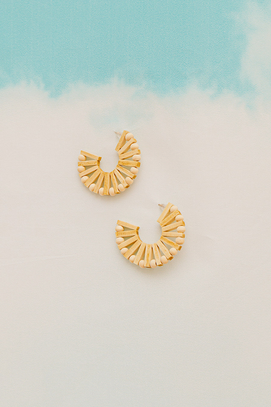 LYLEE EARRING - BIRCH