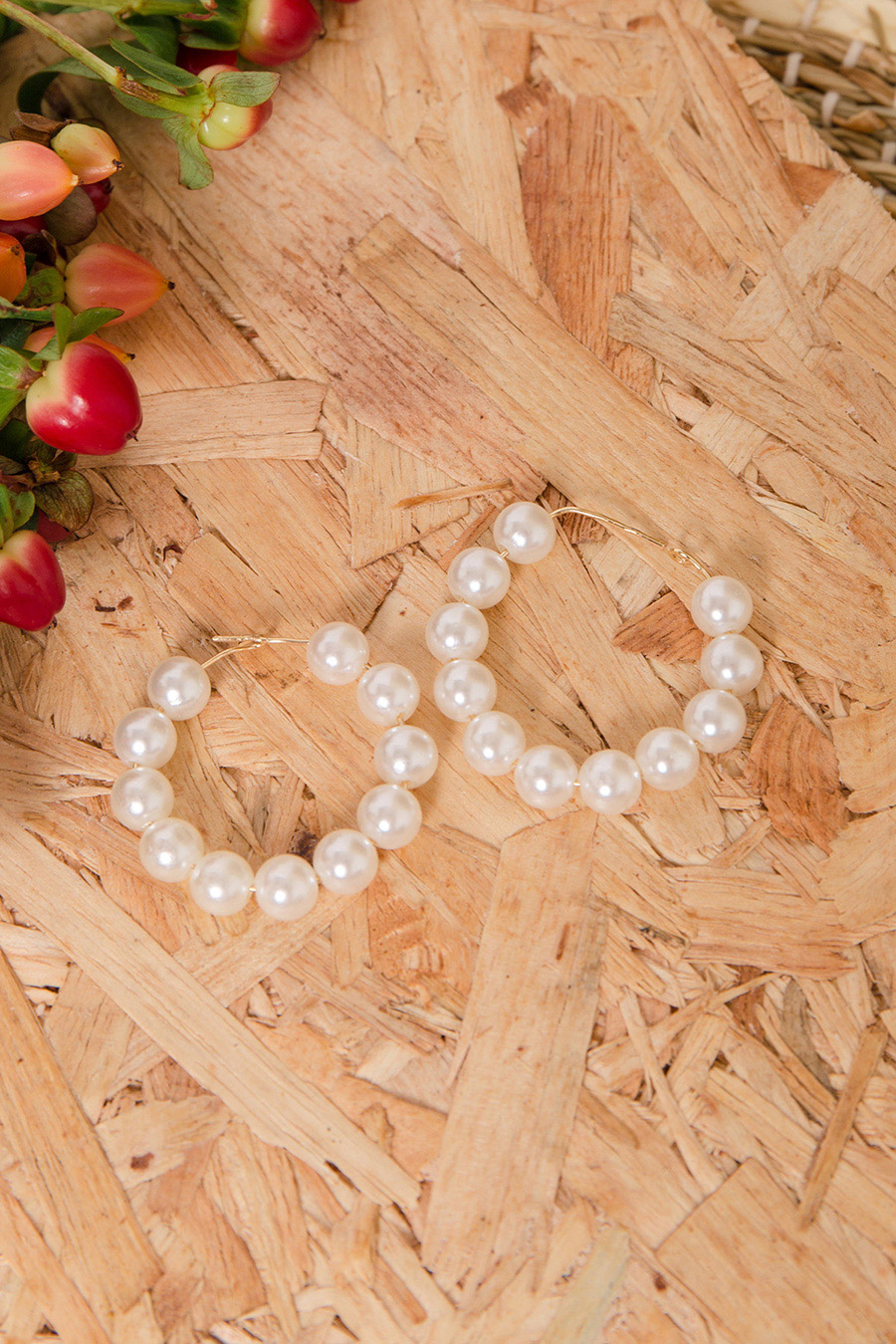 MAGERY PEARL EAR RING - IVORY [QUEENDOM]