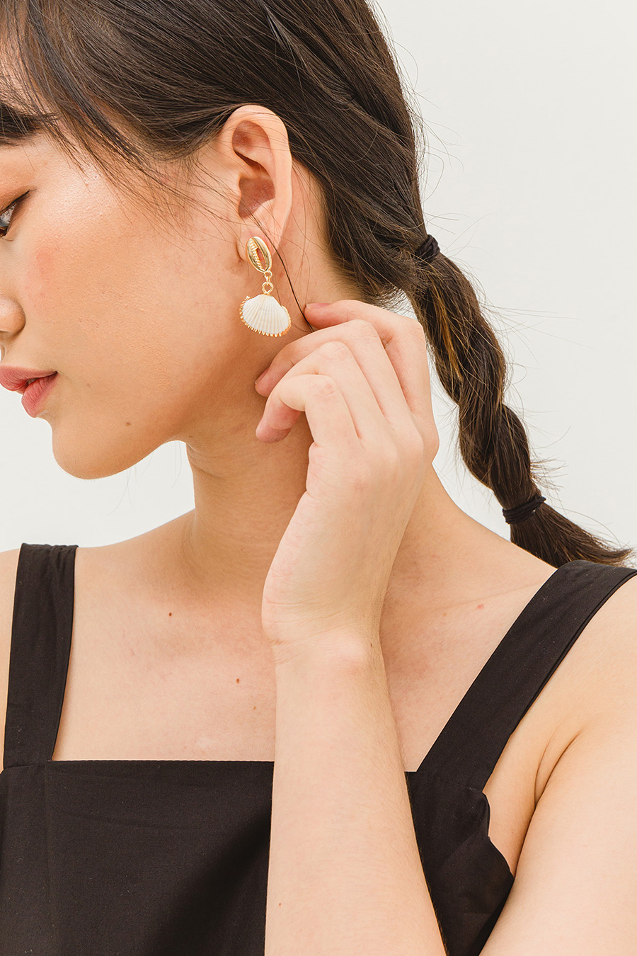 MARIT EARRING - SEASHELL