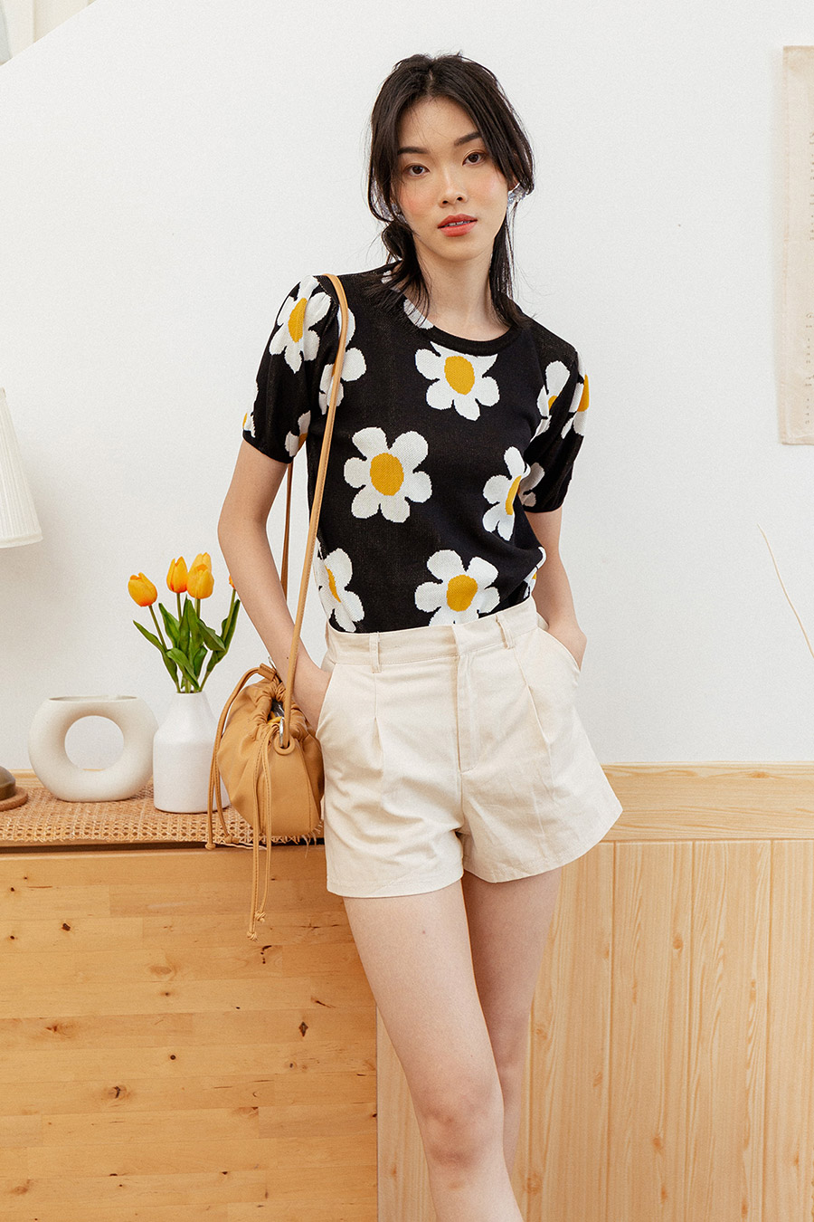 *RESTOCKED* OLIVER TOP - DAISY