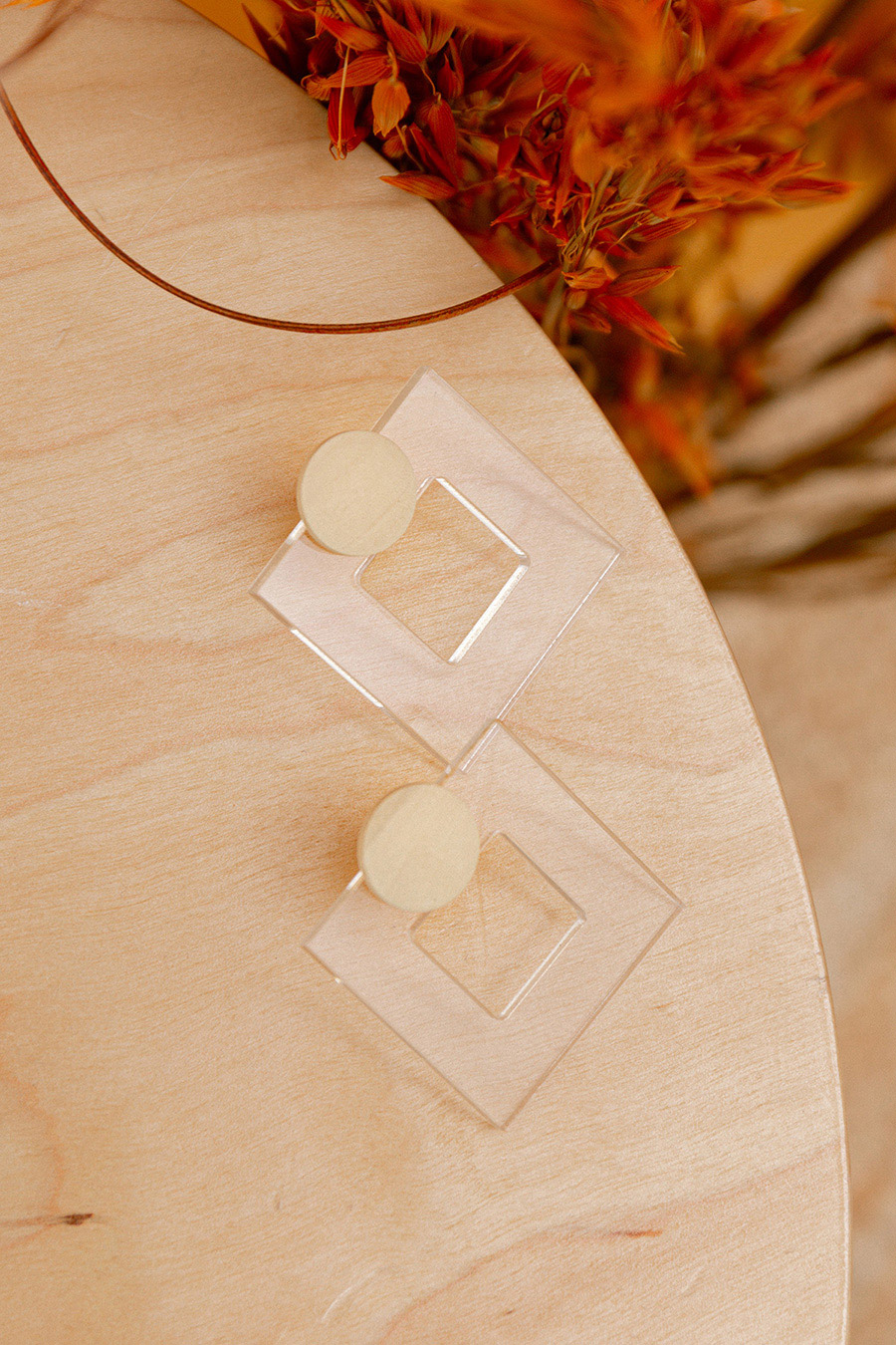 PASCALE EARRING - ALMOND